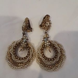 Vintage dangling earrings.